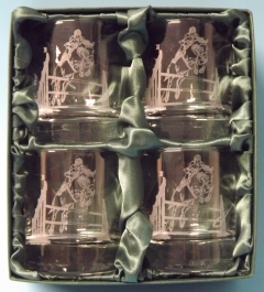 show jumping 2 whisky glass sets x 4 same image